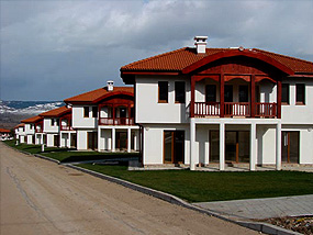 Golf club Ibar - premier four season resort and home of the first Nicklaus design golf in Bulgaria. Offers Real Estate villas by the golf course.